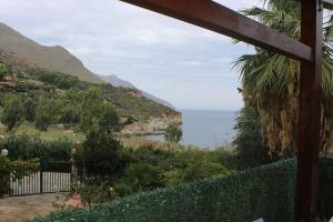 Villa Cala Azzurra con accesso privato alla caletta cala azzurra, Villas  Scopello - big - 13