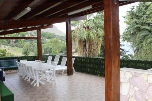 Villa Cala Azzurra con accesso privato alla caletta cala azzurra, Villas  Scopello - big - 12