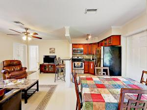 4751 NE 21st Ter Lighthouse Point Townhome Unit 1 Townhouse, Holiday homes  Pompano Beach - big - 22
