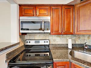 4751 NE 21st Ter Lighthouse Point Townhome Unit 1 Townhouse, Holiday homes  Pompano Beach - big - 20