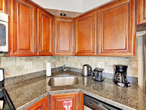 4751 NE 21st Ter Lighthouse Point Townhome Unit 1 Townhouse, Holiday homes  Pompano Beach - big - 21