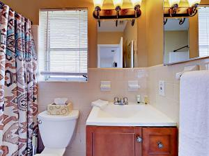 4751 NE 21st Ter Lighthouse Point Townhome Unit 1 Townhouse, Holiday homes  Pompano Beach - big - 8