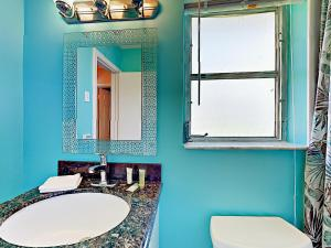 4751 NE 21st Ter Lighthouse Point Townhome Unit 1 Townhouse, Holiday homes  Pompano Beach - big - 4