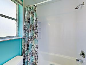 4751 NE 21st Ter Lighthouse Point Townhome Unit 1 Townhouse, Holiday homes  Pompano Beach - big - 10