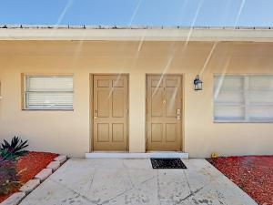 4751 NE 21st Ter Lighthouse Point Townhome Unit 1 Townhouse, Holiday homes  Pompano Beach - big - 14