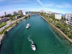 4751 NE 21st Ter Lighthouse Point Townhome Unit 1 Townhouse, Holiday homes  Pompano Beach - big - 11