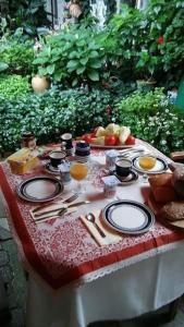 Fónagy és Walter Vendég- és Borház, Bed and Breakfasts  Vác - big - 20