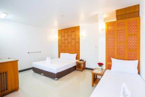 Deluxe Room Triple Beds