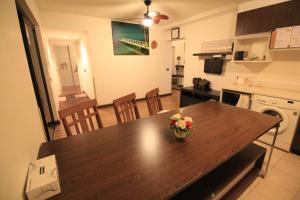 LakeView Service Room, Апартаменты  Ban Bang Phang - big - 32