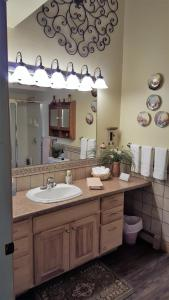 The Bookcliffs Bed & Breakfast, Bed and breakfasts  Grand Junction - big - 2