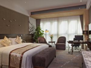 Executive Mountain View Double Room