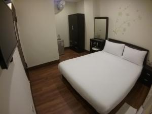Malaya Guest House, Homestays  Budai - big - 26