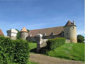 Holiday Home Le Vieux Chateau Moussy