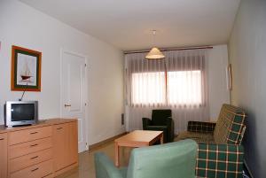 Apartamentos Mestral, Апартаменты  Ла-Эскала - big - 4