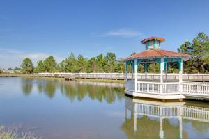 Orange Beach Villas - Beach Retreat Home, Prázdninové domy  Orange Beach - big - 2