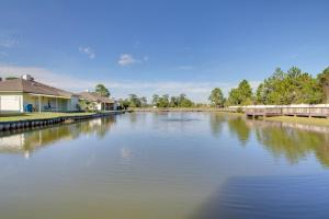 Orange Beach Villas - Beach Retreat Home, Prázdninové domy  Orange Beach - big - 5