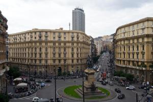 residenza piazza bovio al 21 - AbcAlberghi.com