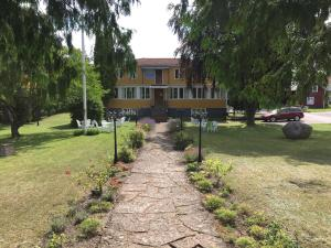 Hagaborg Bed & Breakfast and Hostel