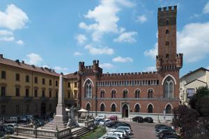 Castello Medici del Vascello, Apartmány  Asti - big - 23