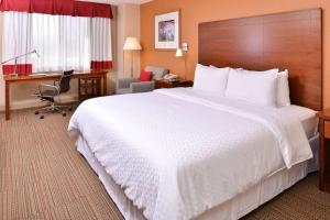 Four Points by Sheraton Detroit Metro Airport, Отели  Ромьюлес - big - 2