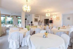 Hotel Fucsia, Hotely  Riccione - big - 17