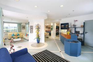 Hotel Fucsia, Szállodák  Riccione - big - 15