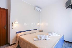Hotel Fucsia, Szállodák  Riccione - big - 9