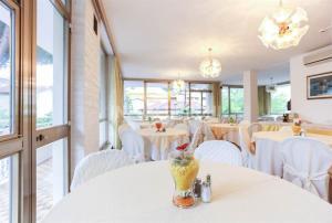 Hotel Fucsia, Szállodák  Riccione - big - 10