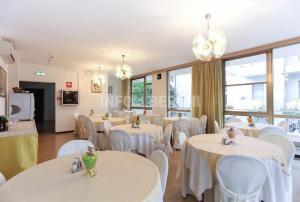 Hotel Fucsia, Szállodák  Riccione - big - 1