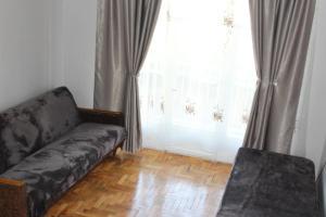 Apartment Komfort, Apartmány  Borjomi - big - 9