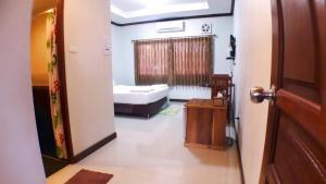 Khum Nakhon Hotel, Hotel  Nakhon Si Thammarat - big - 11
