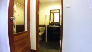 Khum Nakhon Hotel, Hotel  Nakhon Si Thammarat - big - 8
