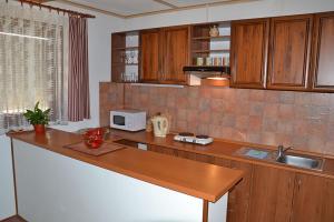 Penzion Pod Vápenkami, Guest houses  Strážnice - big - 14