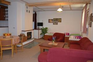 Penzion Pod Vápenkami, Guest houses  Strážnice - big - 17