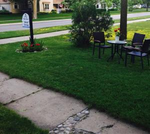 Aberdeen Stone Cottage B&B, Bed and Breakfasts  Traverse City - big - 26