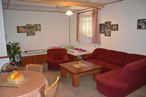 Penzion Pod Vápenkami, Guest houses  Strážnice - big - 24