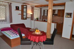 Penzion Pod Vápenkami, Guest houses  Strážnice - big - 32