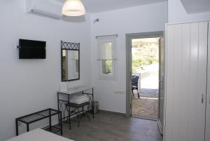 Petra & Fos Studios, Apartmanok  Kásztro - big - 26