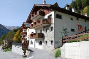 Residence Larice Bianco