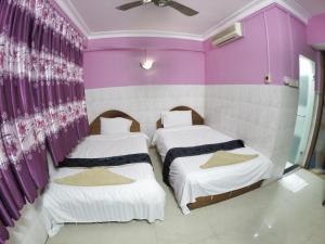 Capitol 3 Guesthouse, Гостевые дома  Пномпень - big - 39