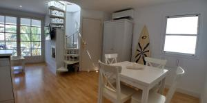 Apartment Port D'aiguadolç 3, Ferienwohnungen  Sitges - big - 8