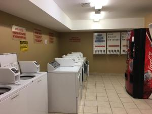 Western Budget Motel #3 Whitecourt, Motels  Whitecourt - big - 33