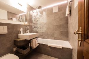Hotel Daniela, Hotely  Zermatt - big - 9