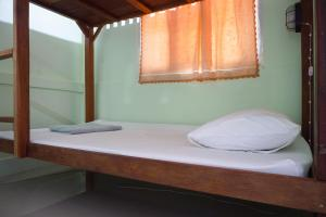 Room (6 Adults) with Private Bathroom
