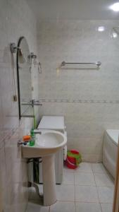 Apartment at Amurskiy bulvar 35, Apartmány  Khabarovsk - big - 6