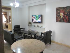 Makati Suites at Travelers Inn, Апарт-отели  Манила - big - 42