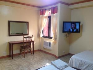 Makati Suites at Travelers Inn, Апарт-отели  Манила - big - 97
