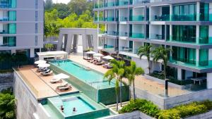 Lets Phuket @ Absolute Twin Sands Resort & Spa