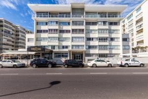 Spacious Beach Front Apartment