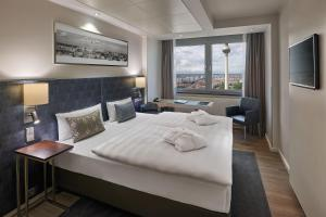 Park Inn by Radisson Berlin Alexanderplatz, Hotels  Berlin - big - 1